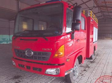 Xe cứu hỏa 3600 lít nước, 400 lít bọt  HINO FC9JESW