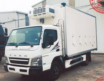 Xe tải chở gia cầm 6 tấn FUSO CANTER6.5
