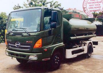 Xe xi téc chở xăng 7800 lít HINO FC9JETA
