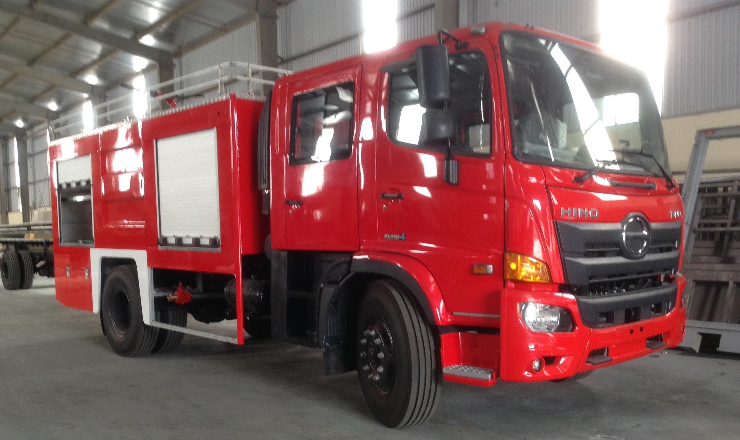 Xe ô tô chữa cháy 5 khối hino cabin kép  ( 5000 lit nước, 1000 lít bọt )