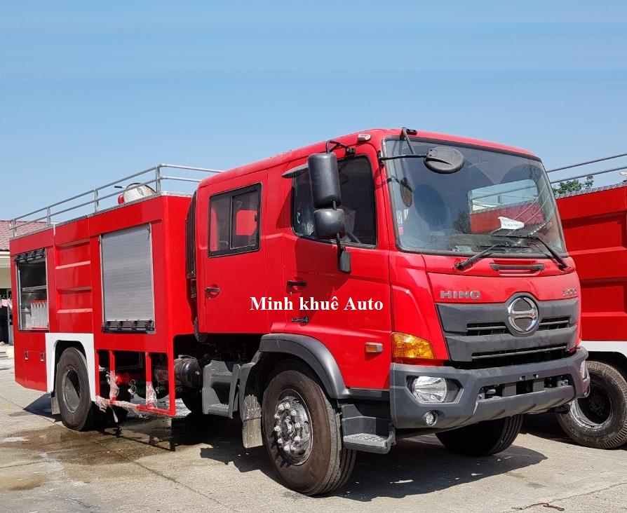 Xe cứu hỏa HINO FC9JETA chứ nước (3600 lít), xi téc chứa bọt (400 lít)